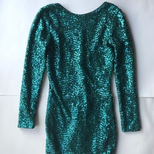 Divided Sequin Long Sleeve Low Back Party Dress